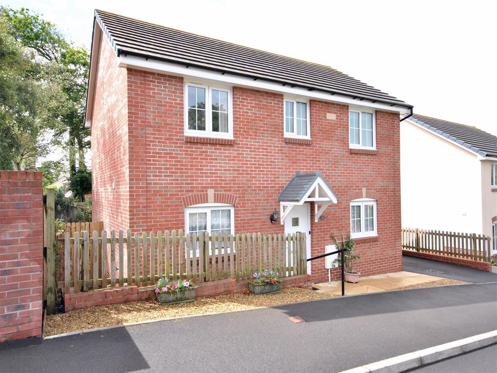 3 Bedrooms House for sale in Mynyddygarreg, Kidwelly