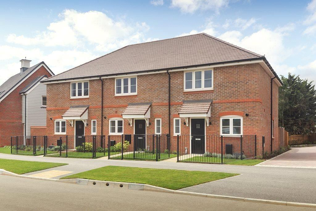 2 Bedrooms Semi Detached House for sale in Shopwhyke Road, Chichester, West Sussex, PO20