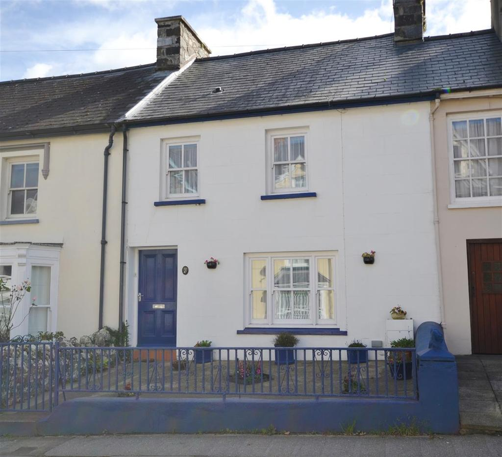 3 Bedrooms Terraced House for sale in Fishguard
