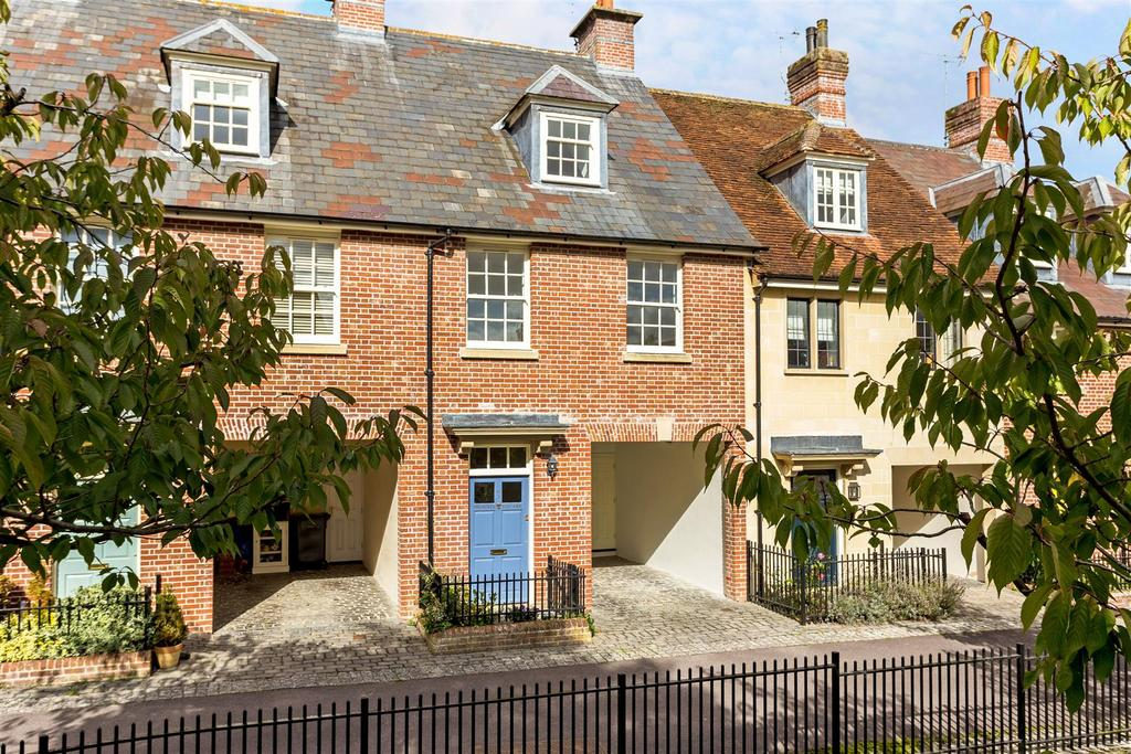 3 Bedrooms Terraced House for sale in Phoenix Square, Pewsey