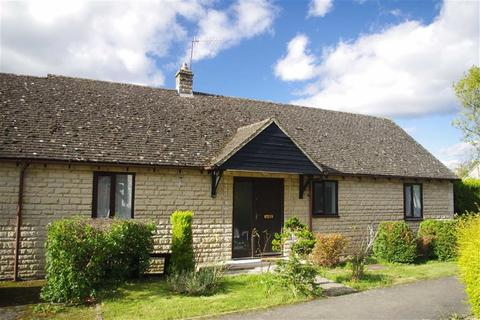 2 bedroom detached bungalow for sale - Station Meadow, Bourton-on-the-Water, Gloucestershire