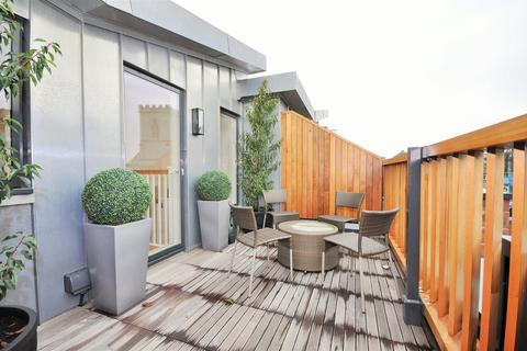 4 bedroom townhouse for sale - 2 Nelson's Yard, Dennis Street, York YO1 9AA