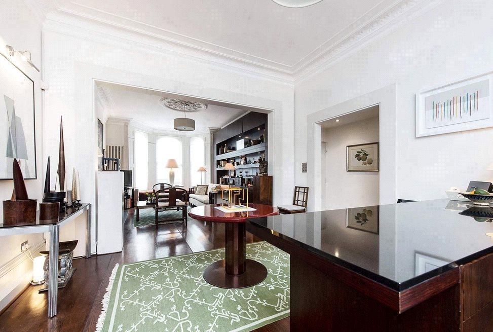 2 Bedrooms Maisonette Flat for sale in Coleherne Road, Chelsea, London, SW10
