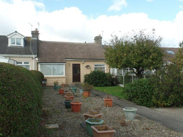 2 Bedrooms Semi Detached Bungalow for sale in SHAFTESBURY CRESCENT, BLACKHALL, PETERLEE AREA VILLAGES