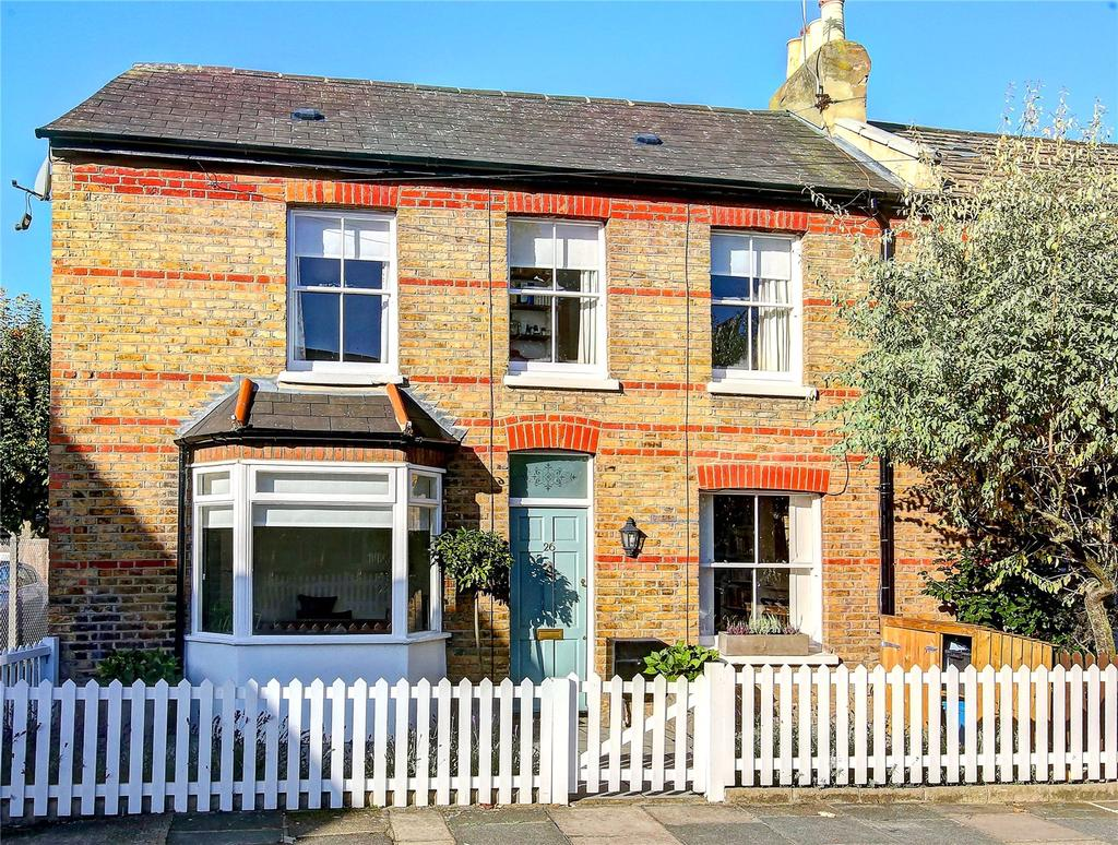 3 Bedrooms End Of Terrace House for sale in Elleray Road, Teddington, TW11