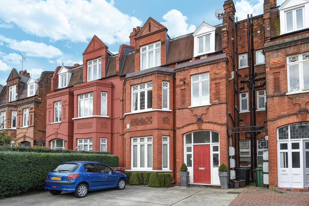 2 Bedrooms Flat for sale in Goldhurst Terrace, South Hampstead