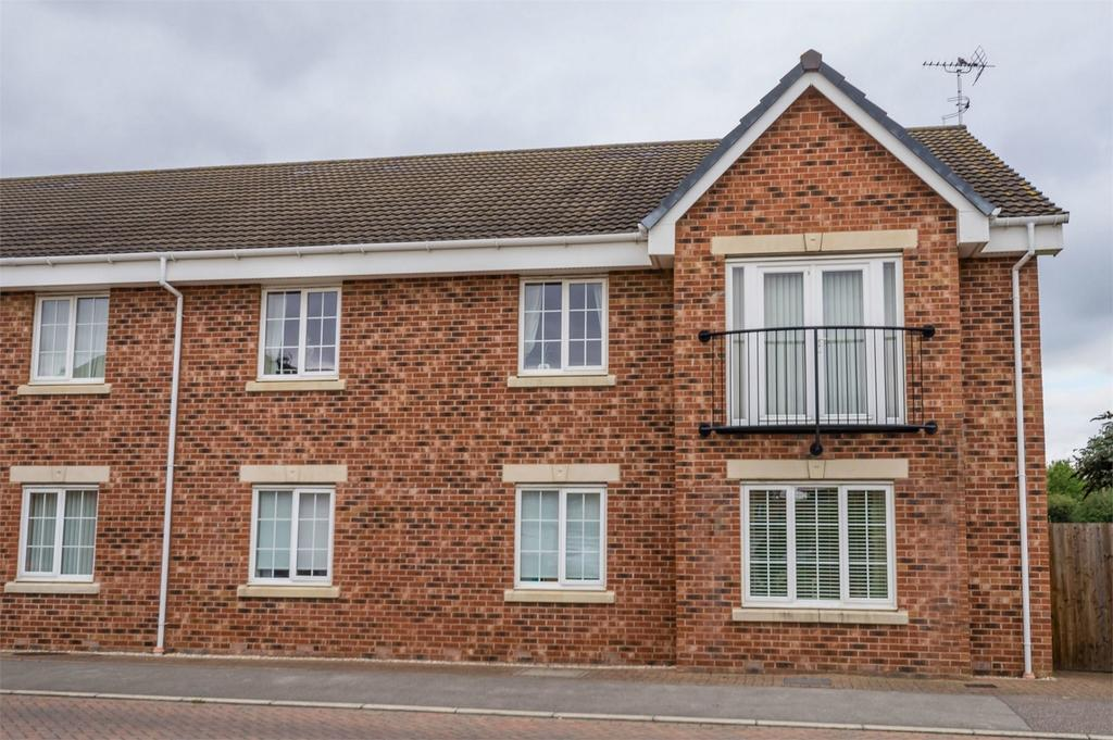 2 Bedrooms Flat for sale in 153 Moat Way, Brayton, North Yorkshire
