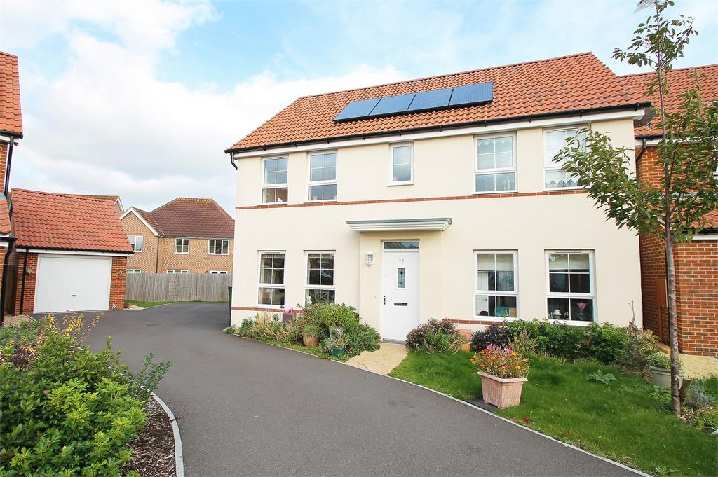 4 Bedrooms Detached House for sale in Cockerell Close, Lee-on-the-Solent, Hampshire