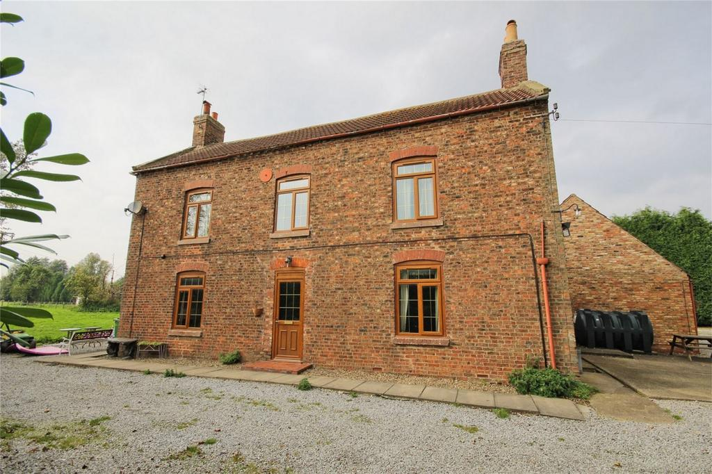5 Bedrooms Detached House for sale in Wallingfen Lane, Newport, Brough, East Riding of Yorkshire