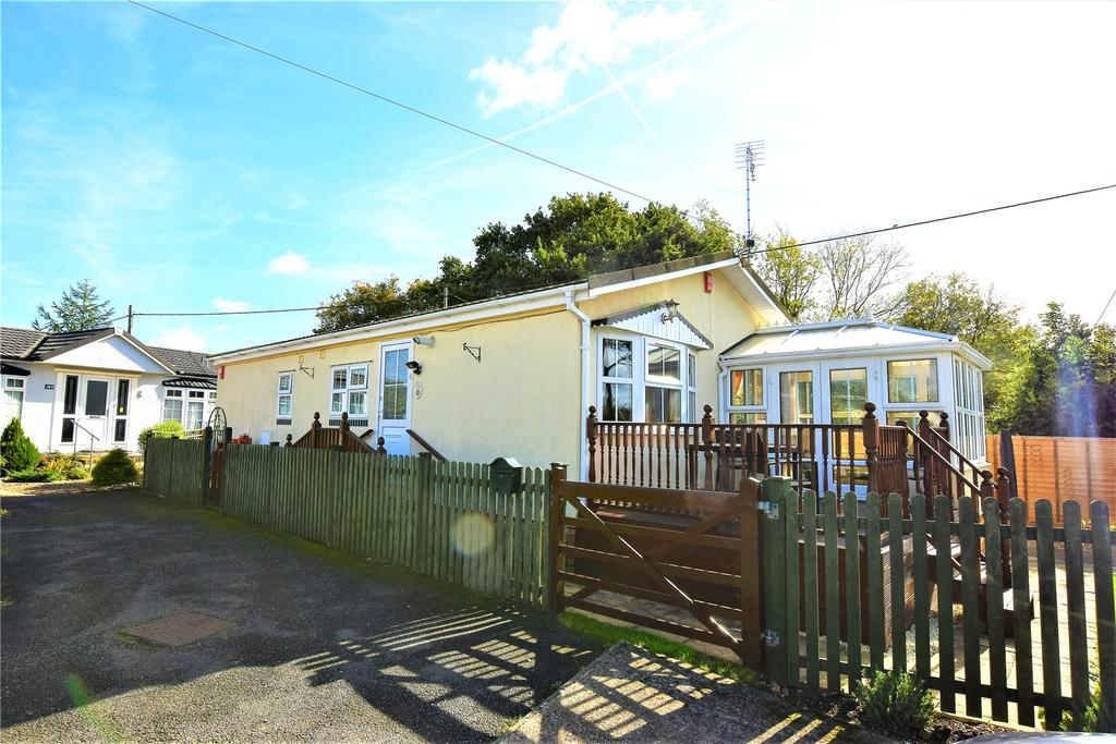 2 Bedrooms Parking Garage / Parking for sale in Whelpley Hill Park, Whelpley Hill, Chesham, Buckinghamshire, HP5