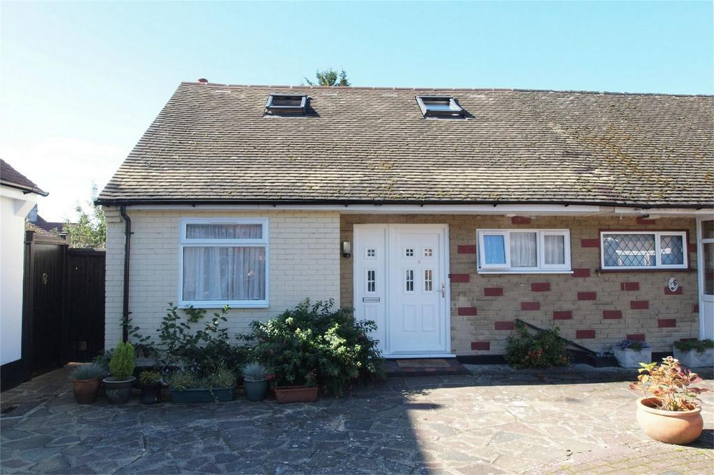 3 Bedrooms Terraced Bungalow for sale in Colin Close, West Wickham, Kent