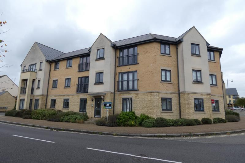 2 Bedrooms Flat for sale in Bluebell Way, Shilton Park, Carterton, Oxon