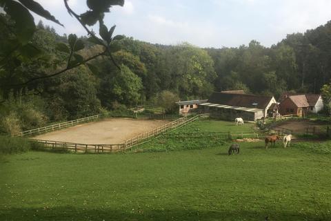 2 bedroom equestrian facility for sale - Broadmoor, Abinger Common, Dorking