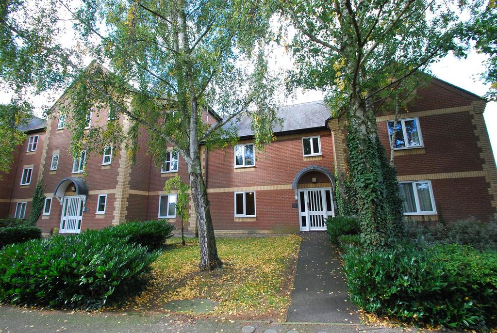 1 Bedroom Flat for sale in Chantry Court, Bury St Edmunds
