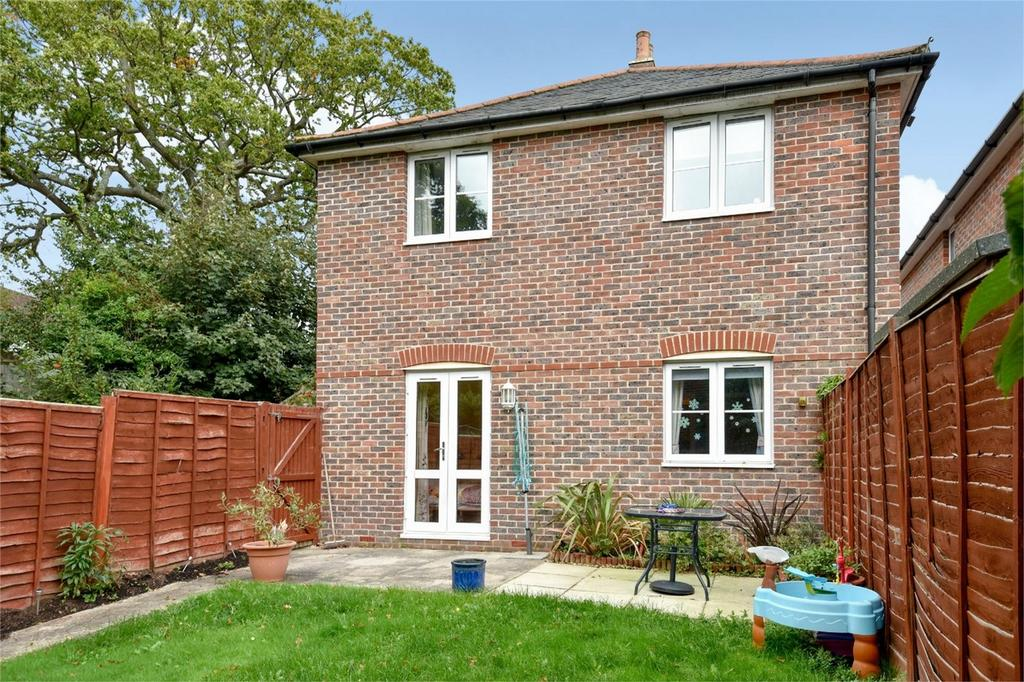 2 Bedrooms Flat for sale in Colden Common, Winchester, Hampshire