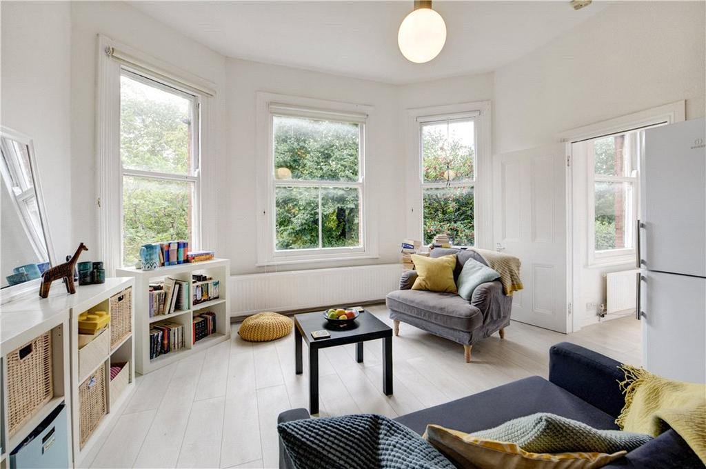 Studio Flat for sale in Chevening Road, Queen's Park, London, NW6