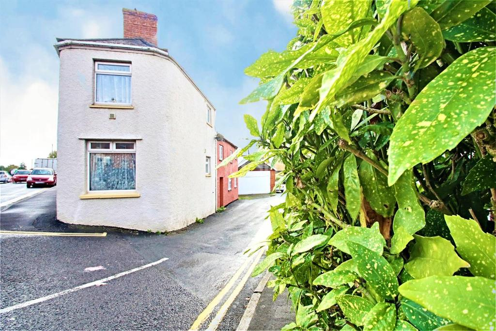 2 Bedrooms Semi Detached House for sale in Fore Street, North Petherton