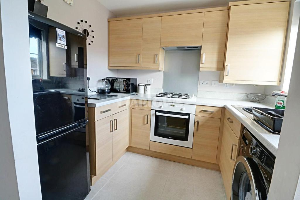 2 Bedrooms Semi Detached House for sale in Clos Gellifaelog, Tonypandy