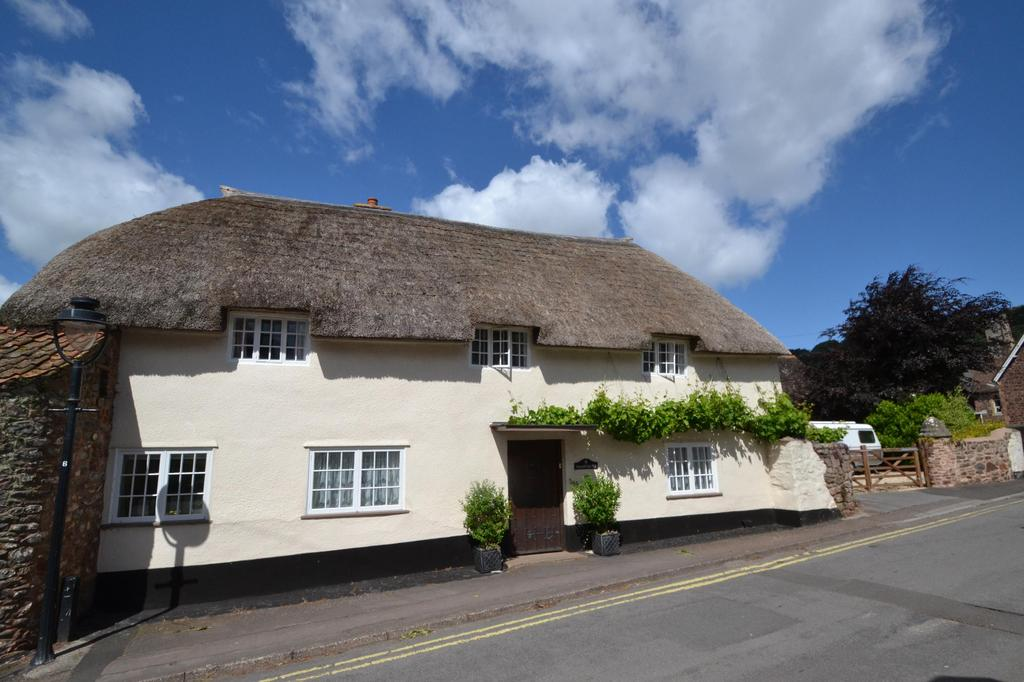 3 Bedrooms Detached House for sale in The Holloway, Minehead