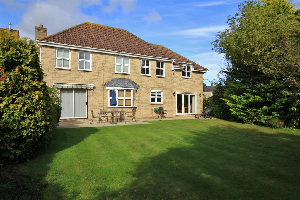 4 Bedrooms Detached House for sale in The Old Batch, Bradford-On-Avon