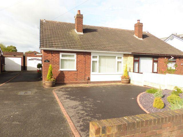 2 Bedrooms Semi Detached Bungalow for sale in Norfolk Crescent,Aldridge,Walsall