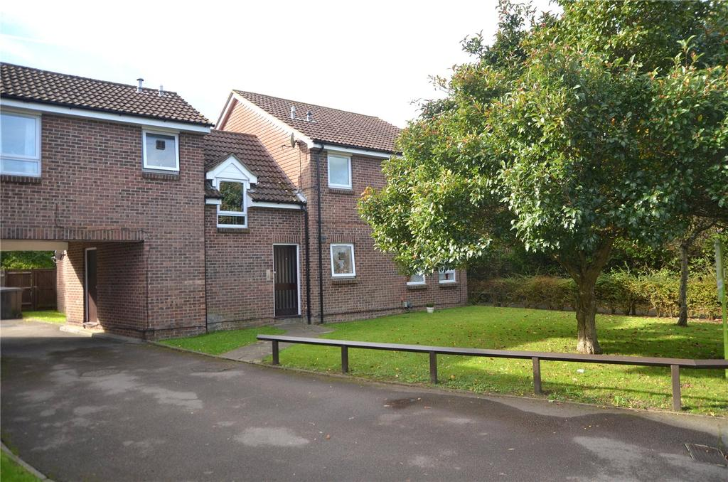 Studio Flat for sale in Wyre Court, Tilehurst, Reading, Berkshire, RG31