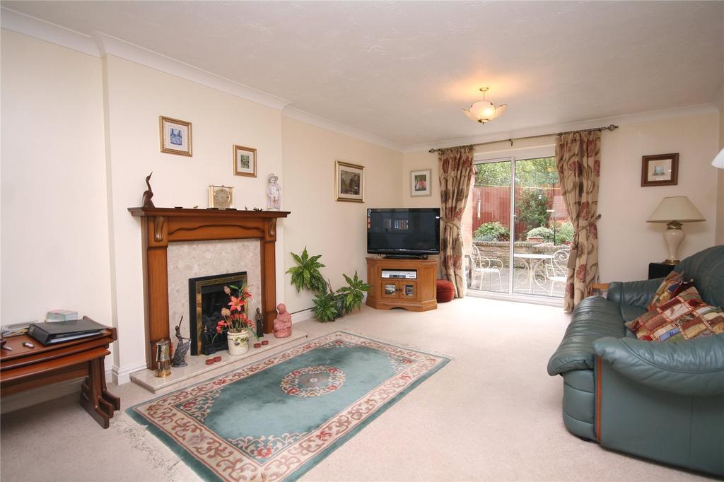 3 Bedrooms Detached House for sale in Ashgrove, Charlton Kings, Cheltenham, GL53