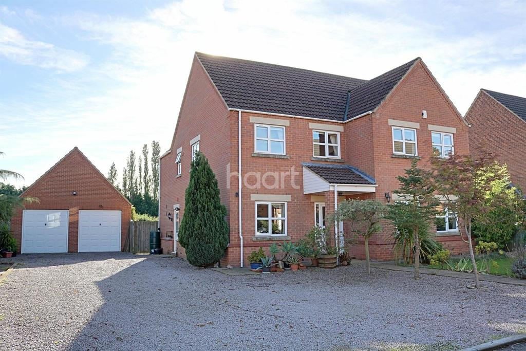 4 Bedrooms Detached House for sale in Bramley Court, Coldham