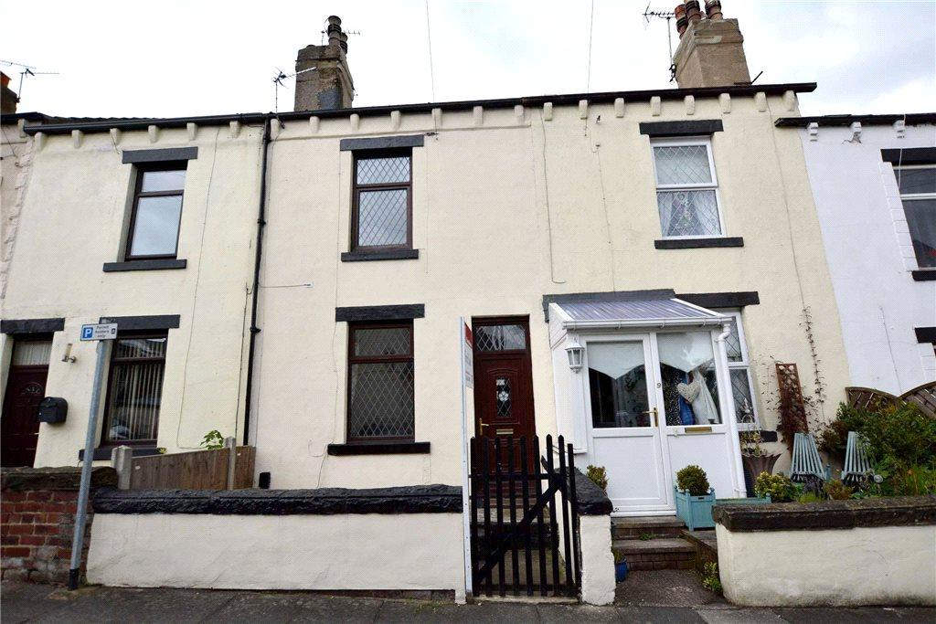 4 Bedrooms Terraced House for sale in Woodlands Avenue, Stanningley, Pudsey, West Yorkshire