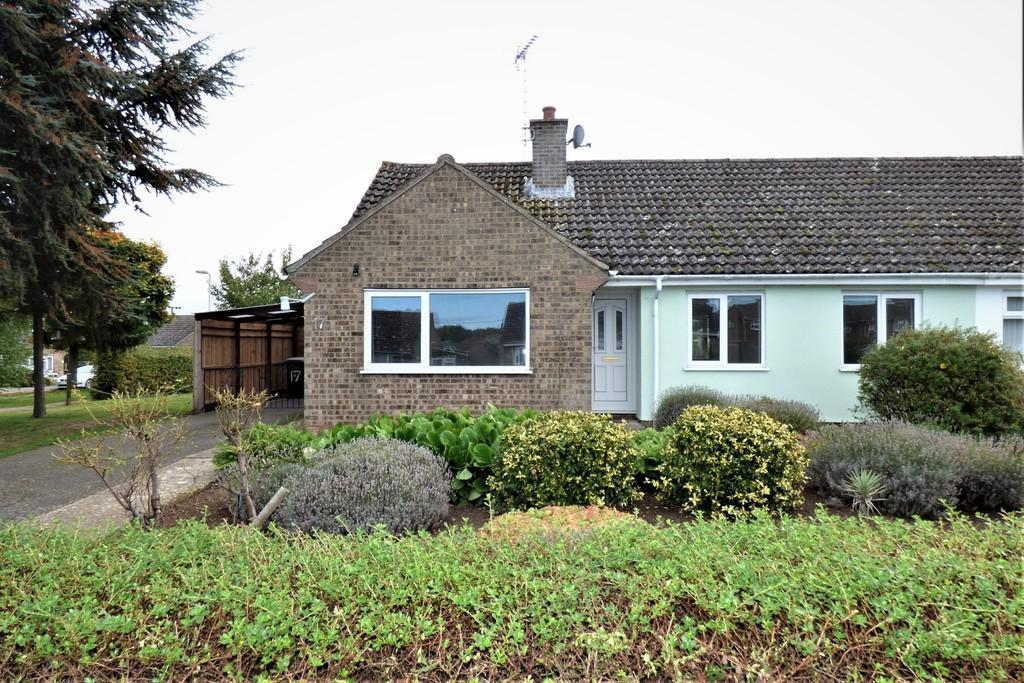 3 Bedrooms Semi Detached Bungalow for sale in Breckland Avenue, Lakenheath