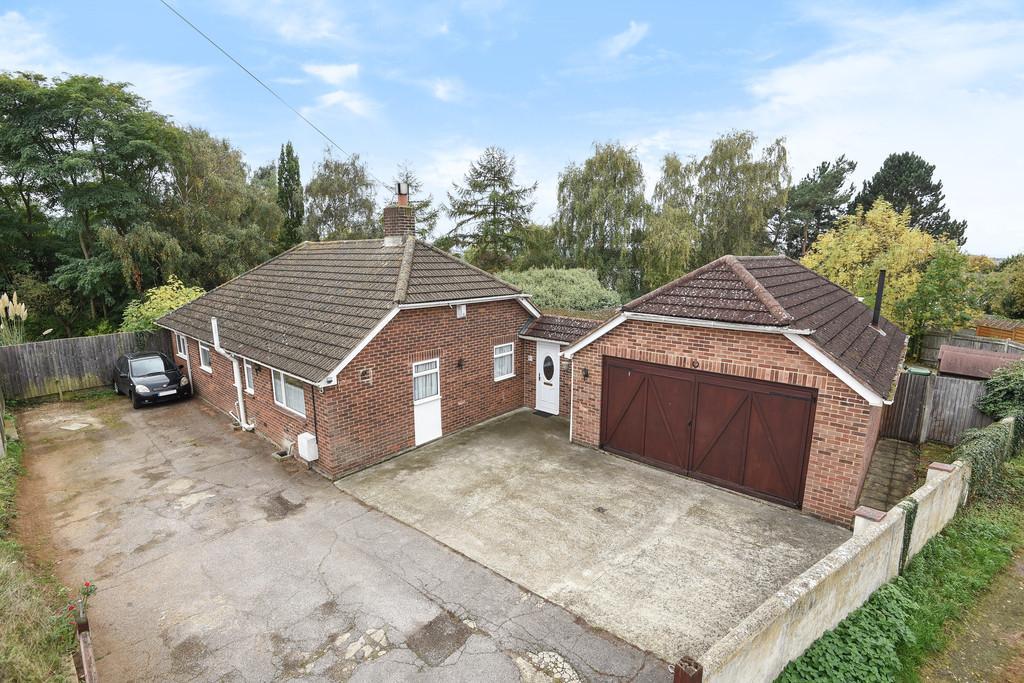 4 Bedrooms Detached Bungalow for sale in Hillary Road, Penenden Heath