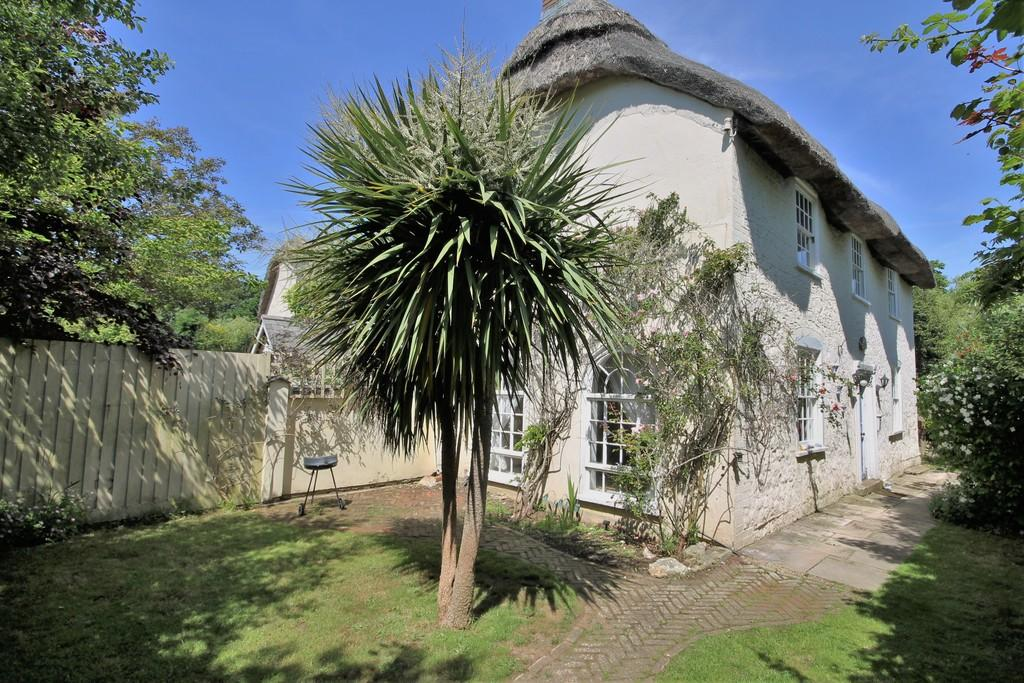 2 Bedrooms Cottage House for sale in Freshwater, Isle of Wight