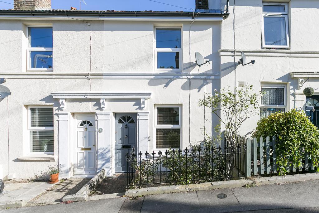 2 Bedrooms Terraced House for sale in Kirkdale Road, Tunbridge Wells