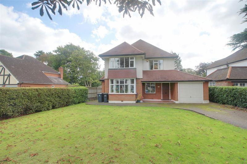4 Bedrooms Detached House for sale in Green Lane, West Purley