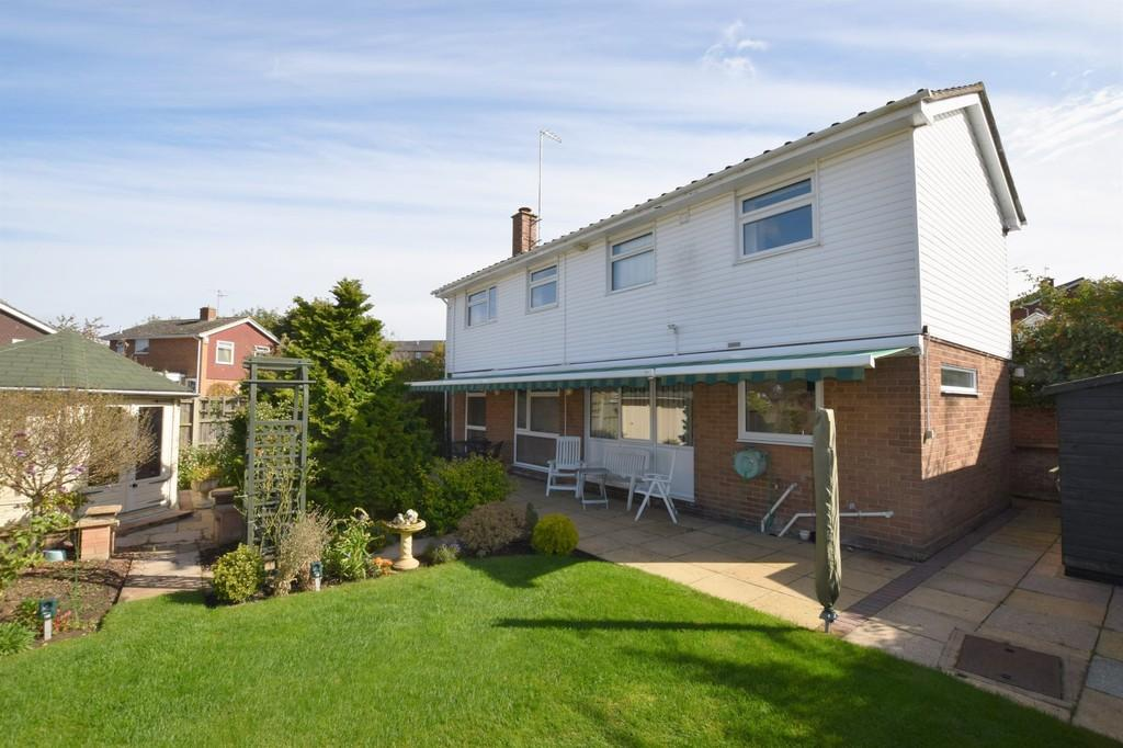 3 Bedrooms Detached House for sale in Beaconsfield Close, Sudbury CO10 1JR