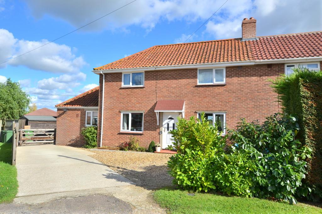 3 Bedrooms Semi Detached House for sale in Tibenham, Norfolk