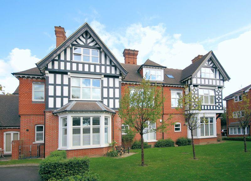1 Bedroom Apartment Flat for sale in Knotley Way, West Wickham