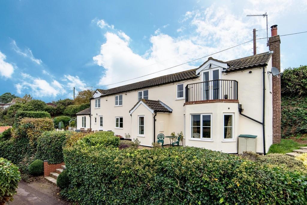 4 Bedrooms Cottage House for sale in Reedham, Norfolk