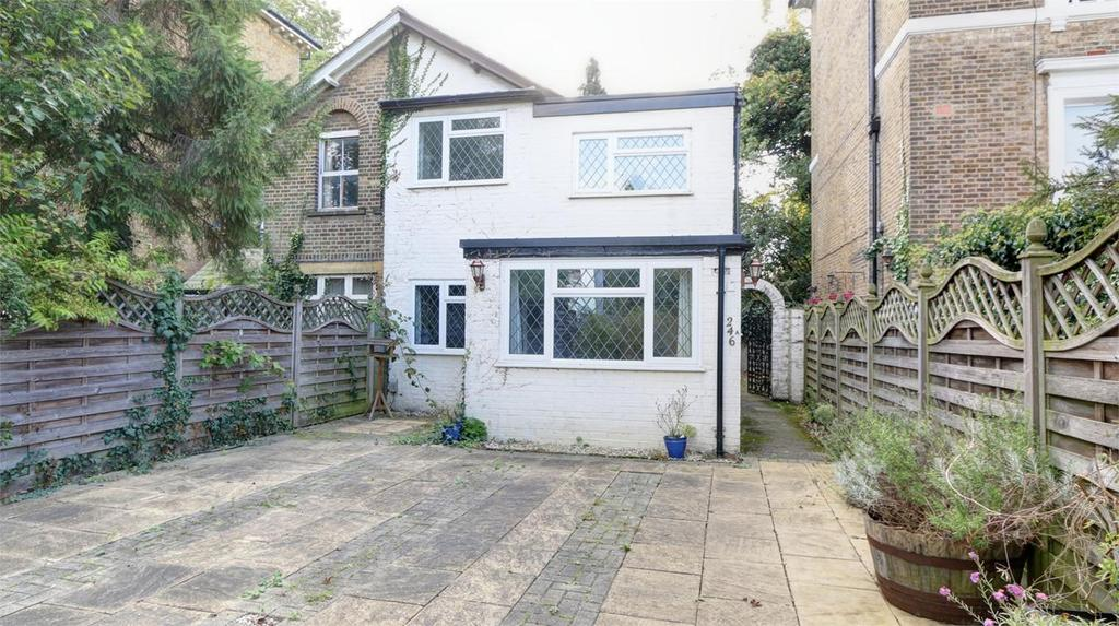 3 Bedrooms Semi Detached House for sale in Southlands Road, Bickley, Bromley, Kent
