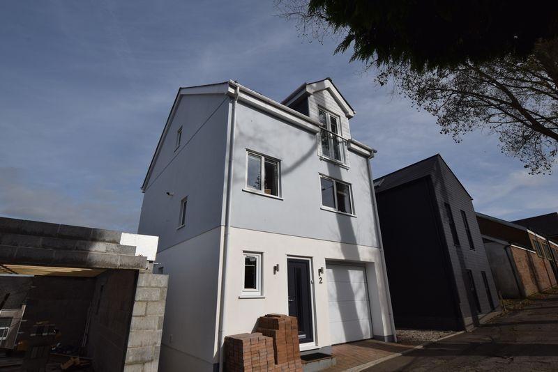 3 Bedrooms Detached House for sale in Elwell Road, Saltash