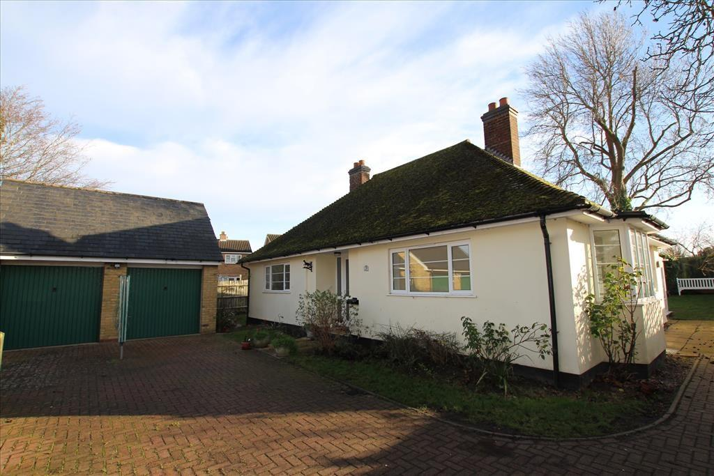 2 Bedrooms Detached Bungalow for sale in Church Street, Guilden Morden, Royston, SG8
