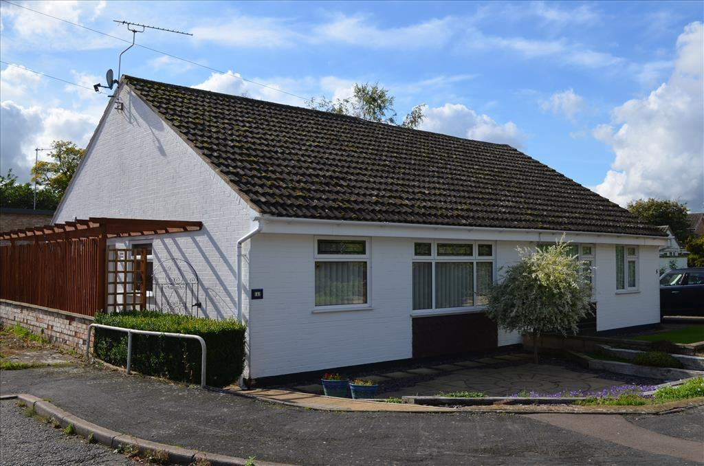 2 Bedrooms Semi Detached Bungalow for sale in Pepper Close, BASSINGBOURN, Royston, SG8