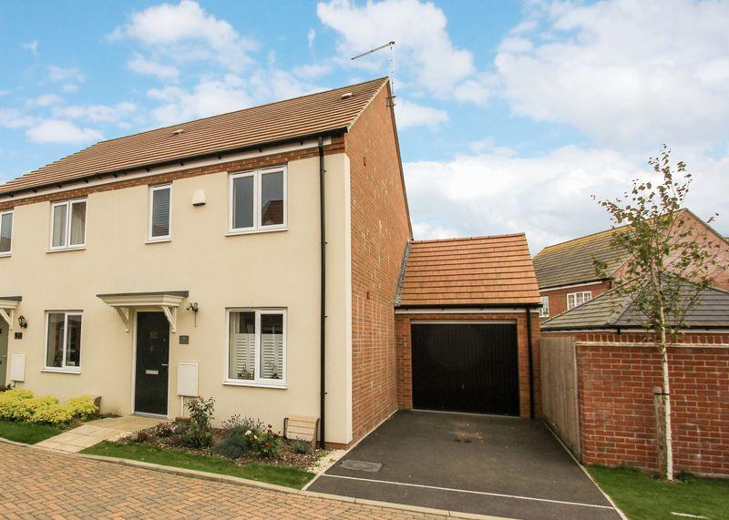 3 Bedrooms Semi Detached House for sale in Potteries Lane, Chilton