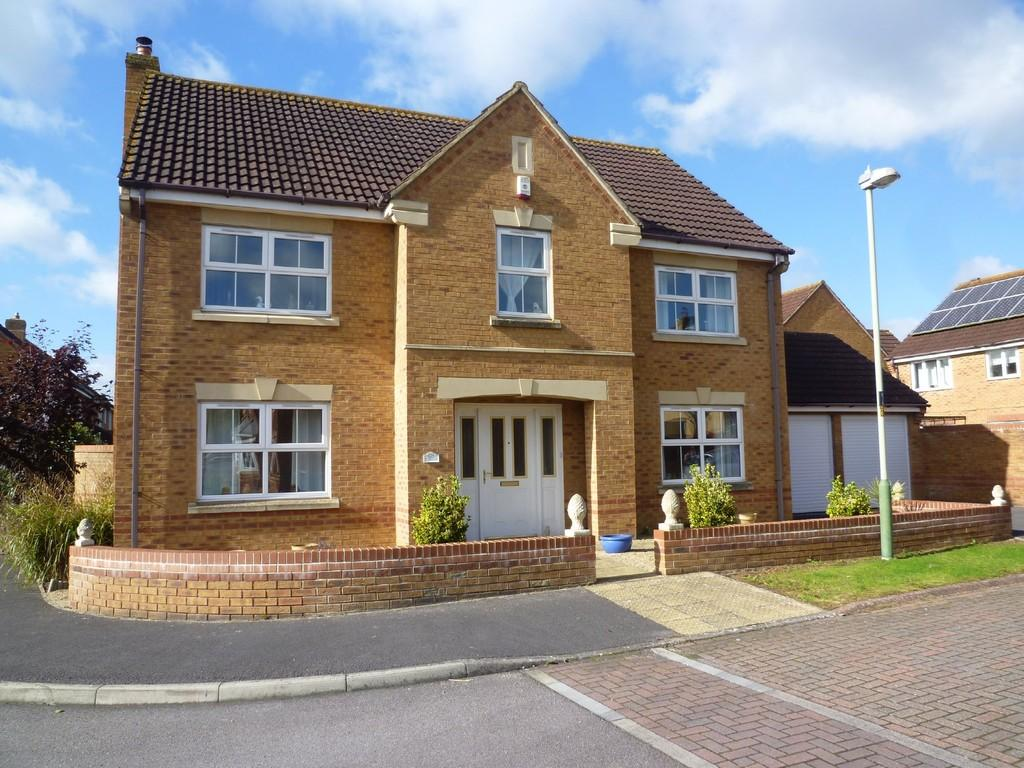 4 Bedrooms Detached House for sale in Hilperton, Trowbridge