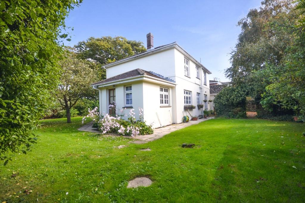 4 Bedrooms Detached House for sale in Love Lane, Bembridge