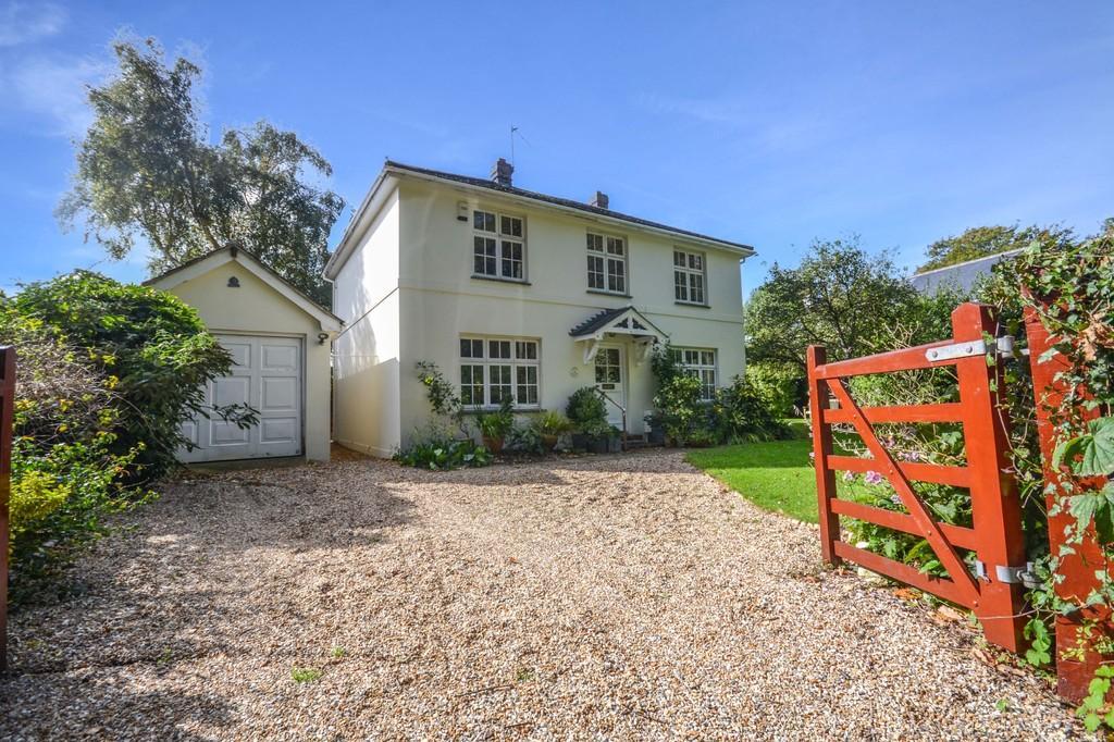 4 Bedrooms Detached House for sale in Love Lane, Bembridge