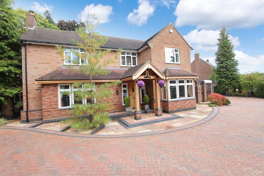 4 Bedrooms Detached House for sale in Wychwood Avenue, Knowle