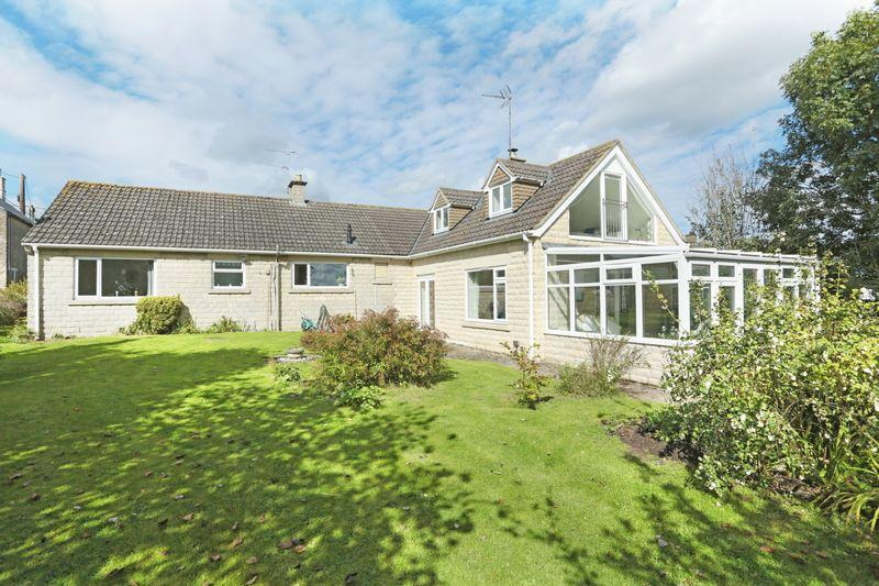4 Bedrooms Detached Bungalow for sale in Shaw Hill, Shaw