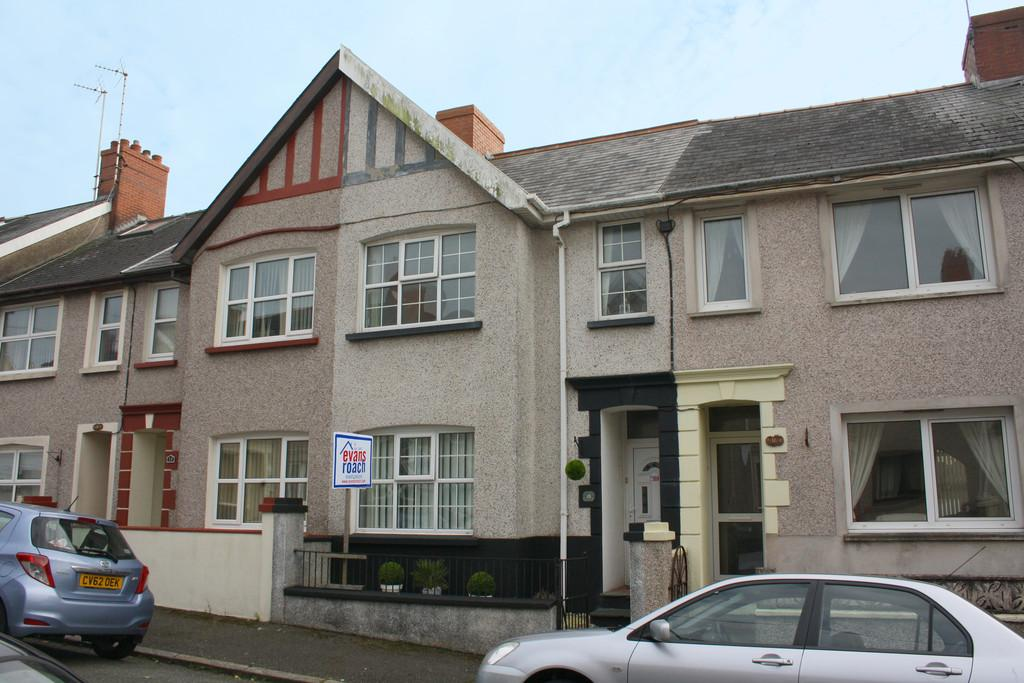 3 Bedrooms Terraced House for sale in Dartmouth Gardens, Milford Haven