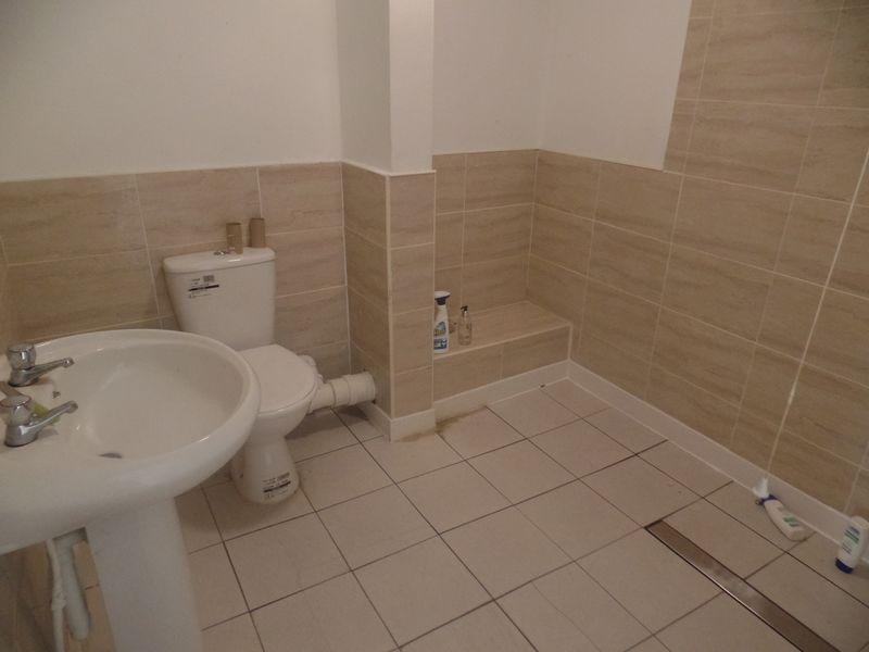 9 Bedrooms Terraced House for sale in 146 Moscow Drive, Liverpool